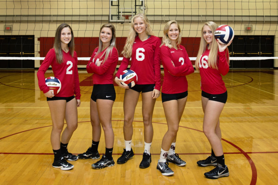 Volleyball seniors: Ellec Scouten, Maddi Smith, Maddie Soboleski, Haley Ingalls, and Mia Schaller.