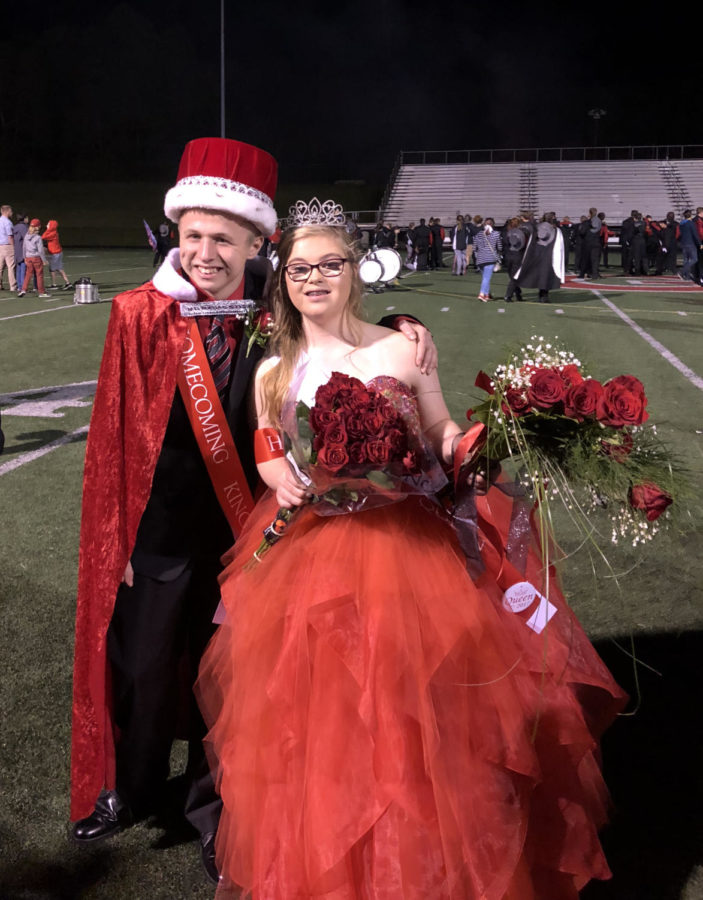 Aaron+Wagner+%26+Jocie+Connolly+after+being+crowned+GM+homecoming+king+and+queen.