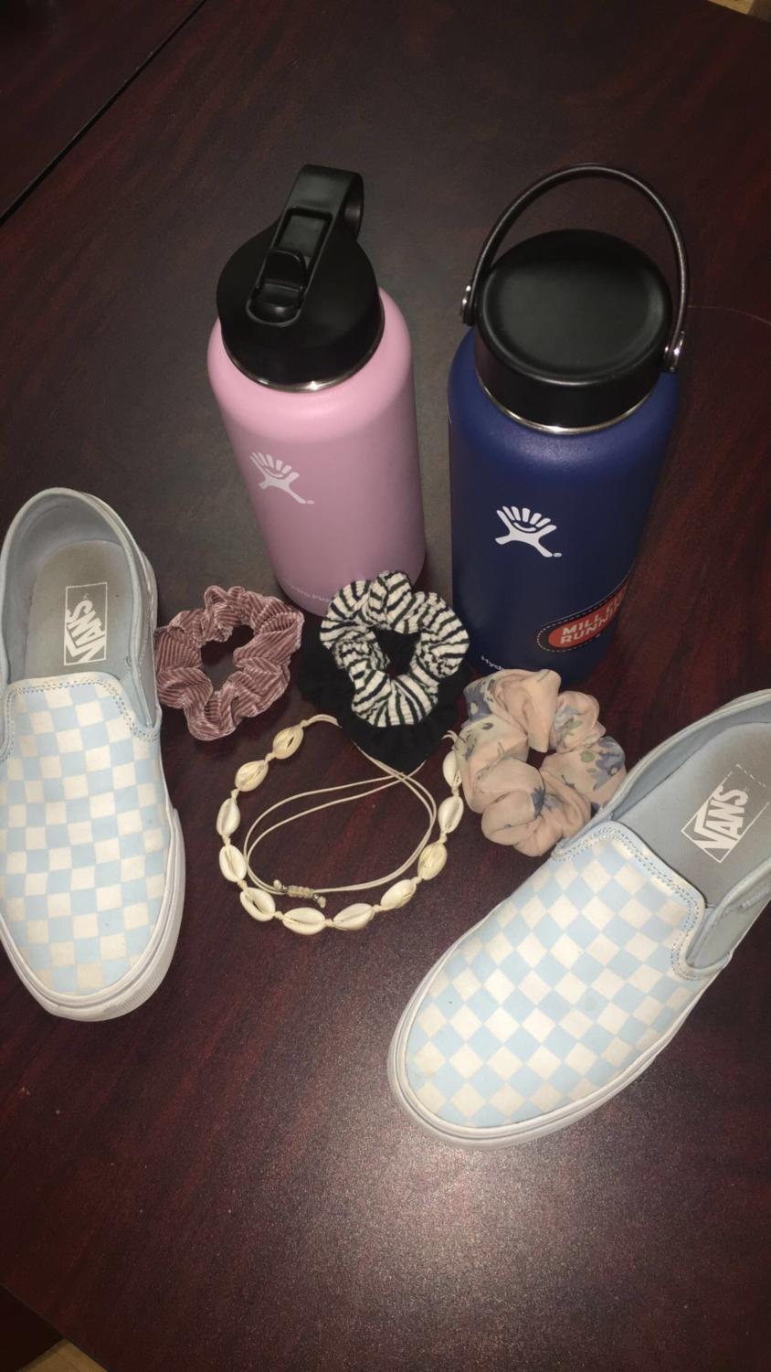 A collection of VSCO girl items