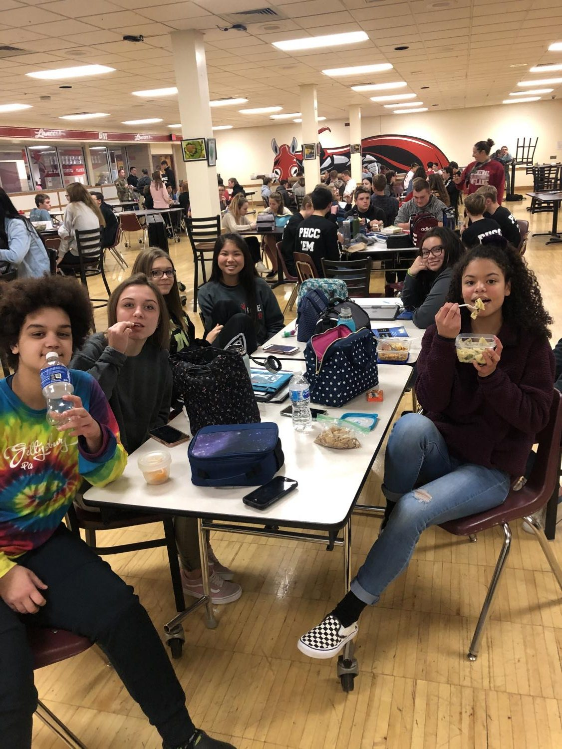 Students participate in the packed lunch protest.